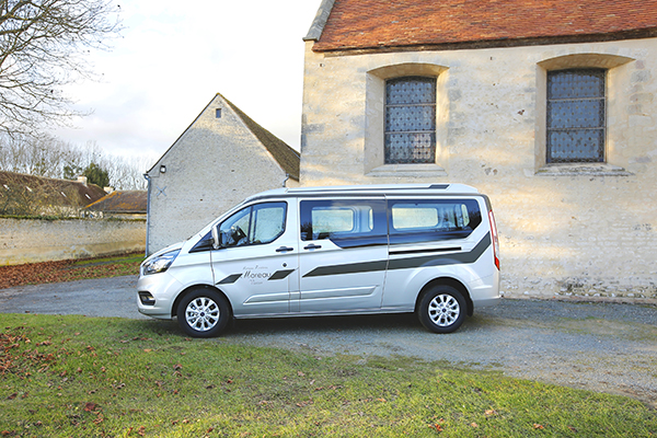 collet_funeraires_ford-transit_amaryllis_media_presentation